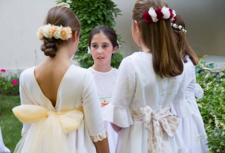 La Nueva Colección De Un Vestido Para Ti Ya Está En Cádiz La Comunión De María